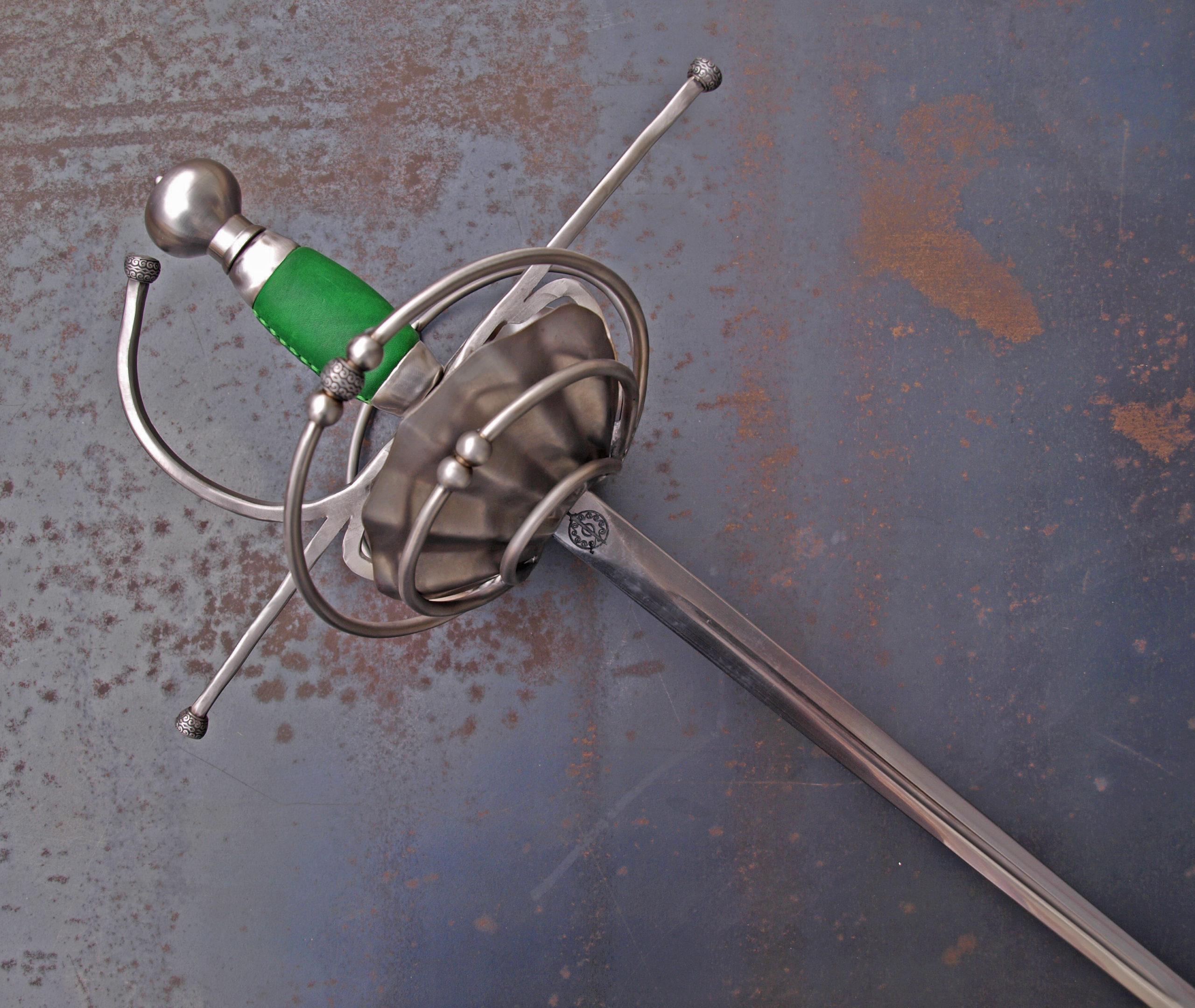 Pappenheimer rapier sword from Bellatore. Hilt detail